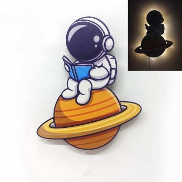 CajuArt Kitap Okuyan Astronot Ahşap Led Işıklı Çocuk Odası Duvar Tablosu Dekor