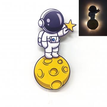 CajuArt Ay Üzerinde Astronot Ahşap Led Işıklı Çocuk Odası Duvar Tablosu Dekor